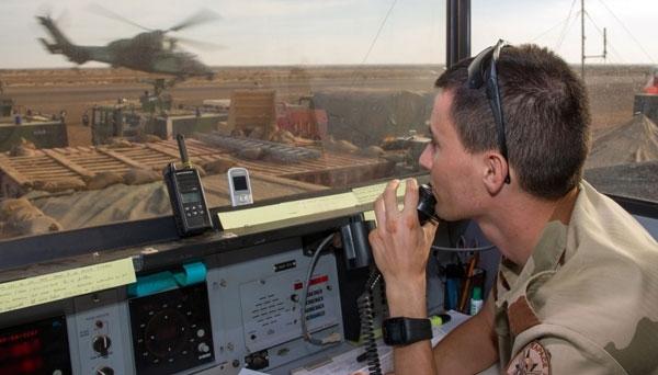 L'armée de l'air recrute des contrôleurs aériens