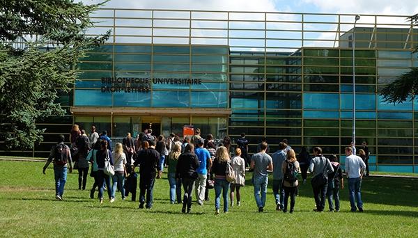 Le français pour les étudiants migrants