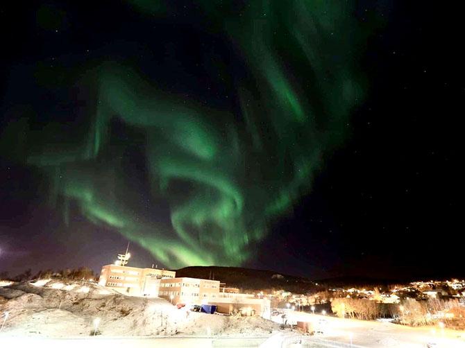 Aurora borealis. Vue depuis les logements universitaires.