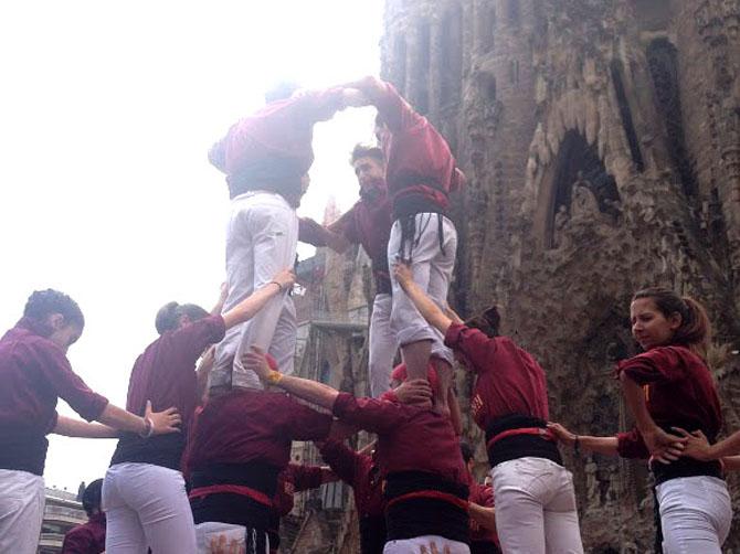 Fête du quartier de Sagrada Familia.
