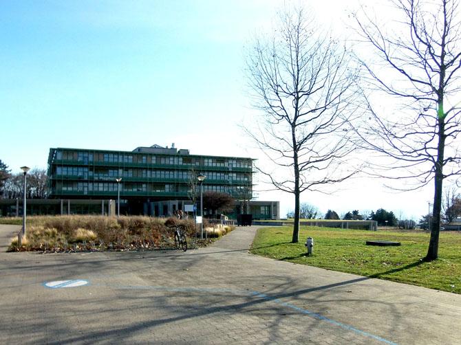 Université de Lausanne, batiment Biophore.
