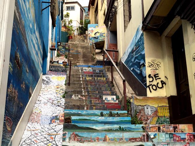 Valparaiso est une ville pleine de surprises et très colorée, remplie d'art de rue.
