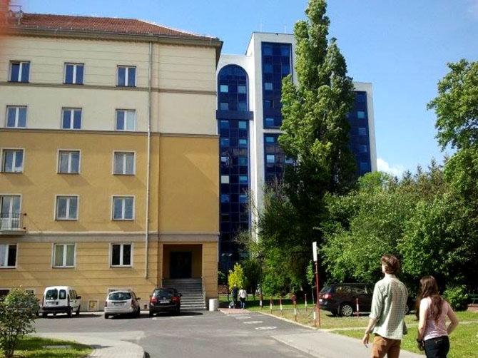 Mon université d'origine : Maison d'étudiant à Opole.
